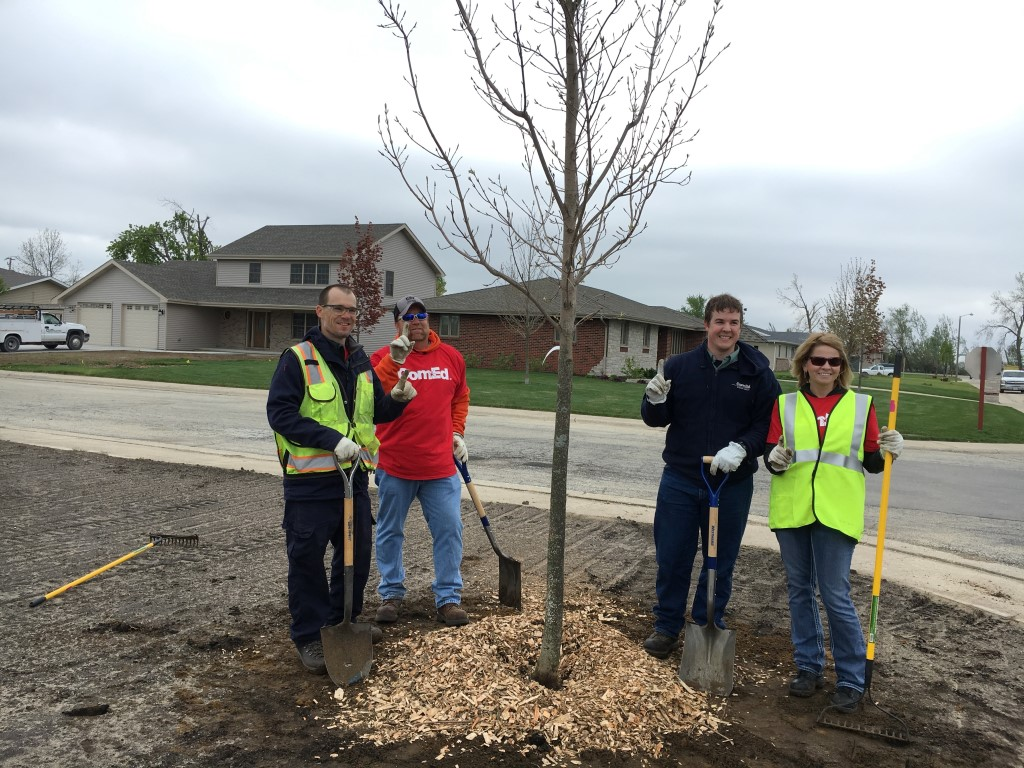 2016 Arbor Day- Replanting Coal City with ComEd®
