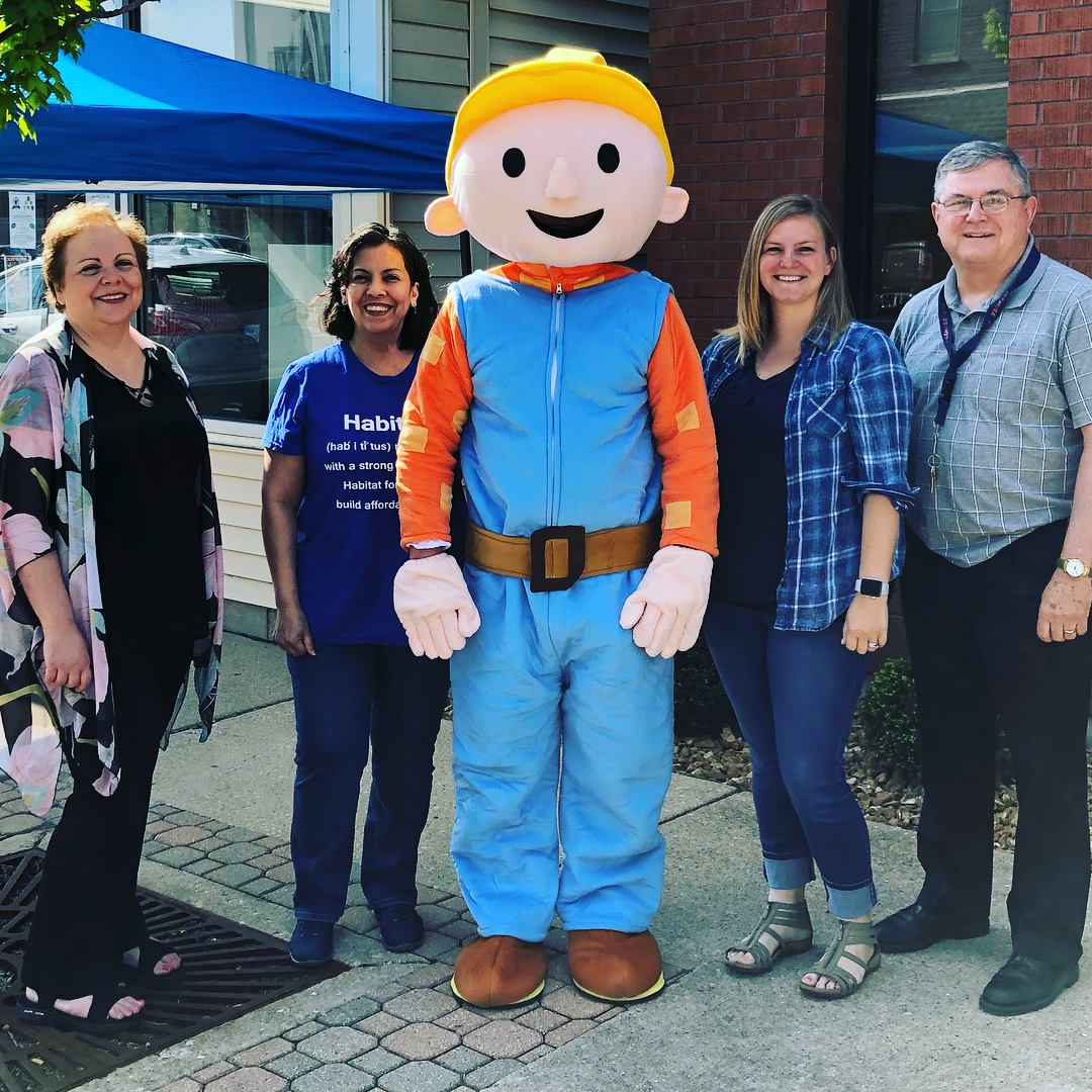 Marlee Harford, Owner of iTrees.com with Bob The Builder for Habitat for Humanity® Radio Fundraiser